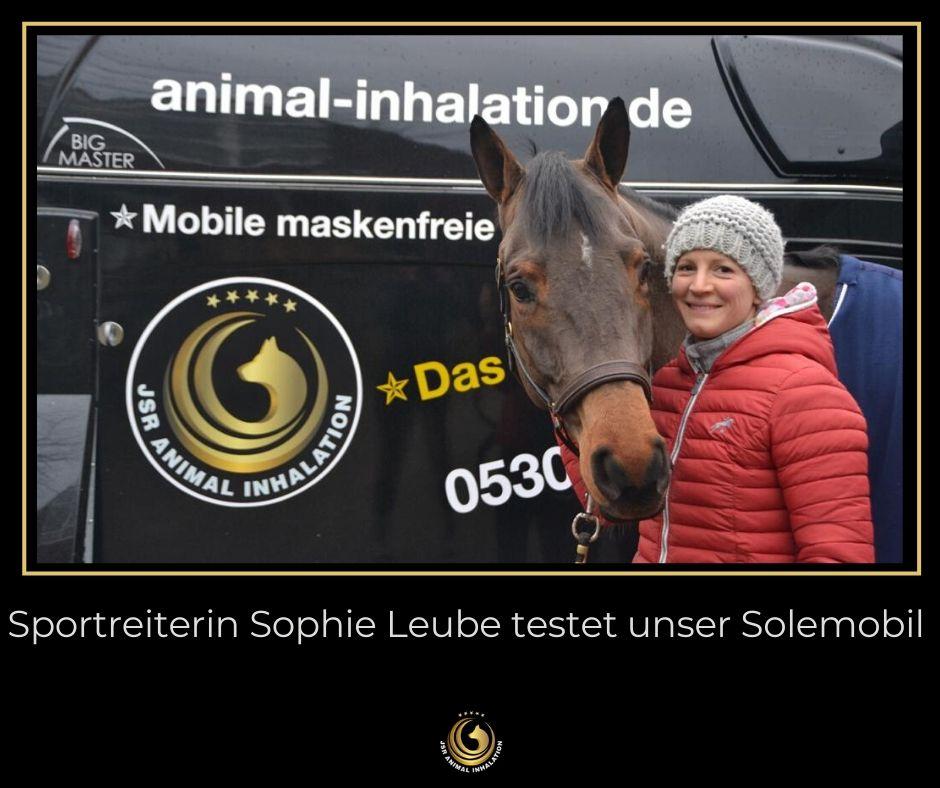 Sportreiterin Sophie Leube testet Solemobil von Animal Inhalation by JSR GmbH